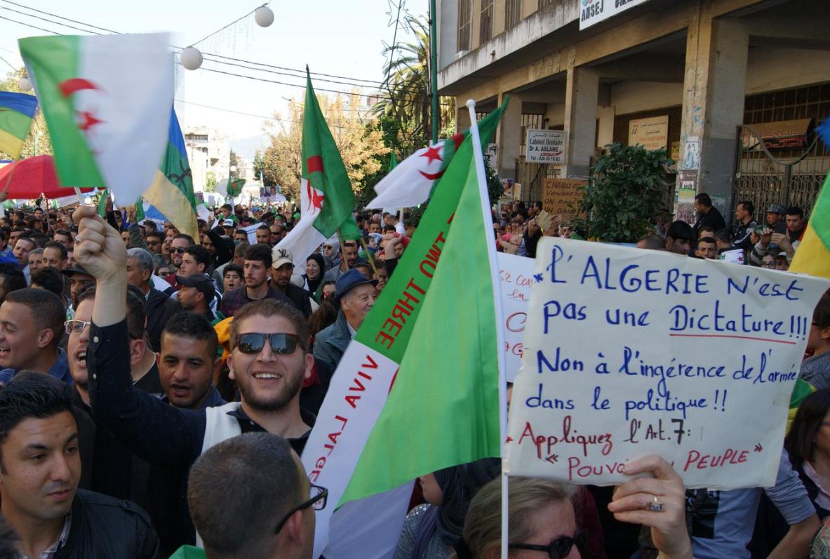 Abdelaziz Bouteflika va démissionner avant le 28 avril — Algérie